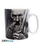 ABYMUG063 - THE HOBBIT - TAZZA 460ML - GANDALF & SWORD